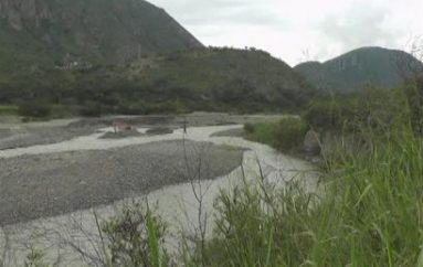 (Video) Agricultores de La Algarrobera se están quedando sin terrenos, autoridades no encauzan el río