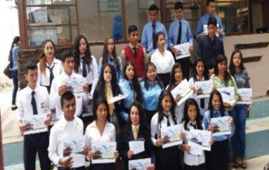 (Video) Viceministro de Educación entregó premios a estudiantes por mérito académico