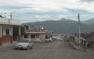 (Video) Moradores de La Alborada y funcionarios del Municipio se reúnen por construcción de obra