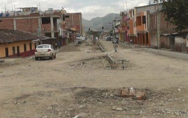 (Video) Trabajos de mejoramiento en la de la Avenida Catamayo tiene un avance del 70%.