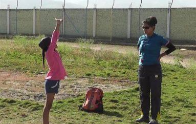 (Video) Yadira Guamán es la nueva entrenadora de atletismo en Liga Cantonal de Catamayo
