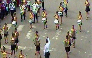 (Video) Importante participación en desfile cívico estudiantil por los 36 años de vida de Catamayo