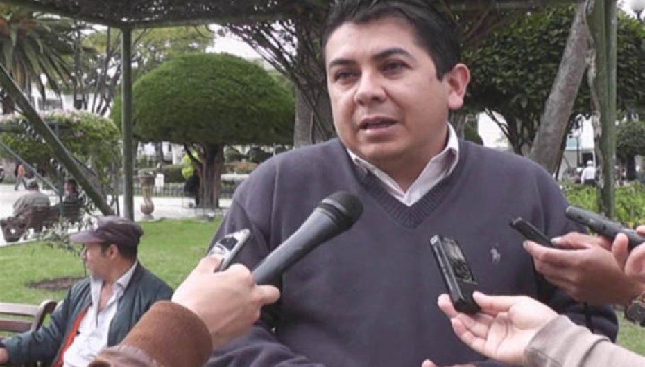(Video) Alcalde Sozoranga pide a la empresa a cargo de la construcción de la vía Catamayo- Macará la reparación de daños ocasionados.
