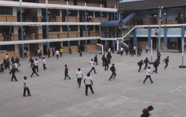 """(Video) Unidad Educativa """"La Dolorosa"""" se prepara para la culminación del año lectivo."""