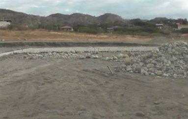 (Video) En tres semanas culminaría la construcción de cancha en el sector Divino Niño