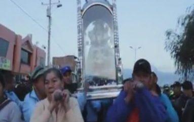 (Video) Párroco de Catamayo detalla horarios de eucaristías en presencia de la imagen