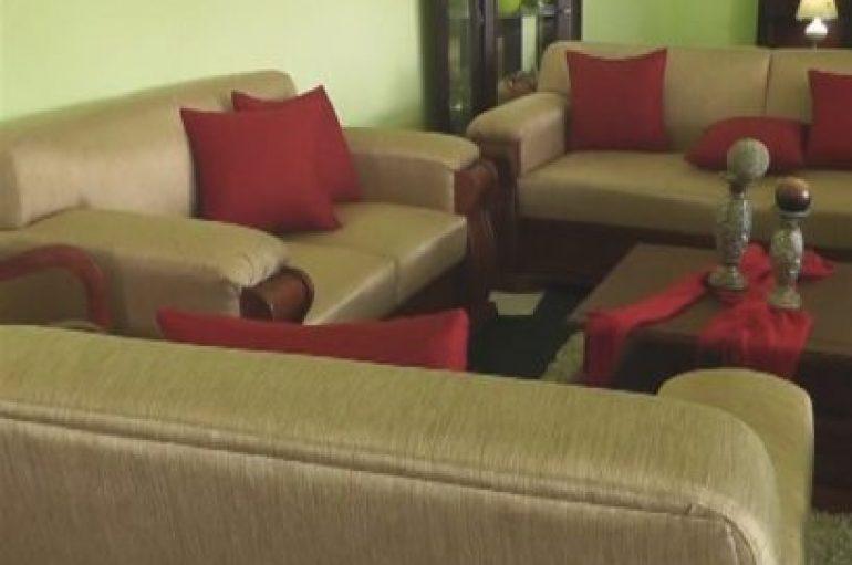 (Video) Ya está en Catamayo la gran feria del mueble cuencano, lineas elegantes a precios módicos
