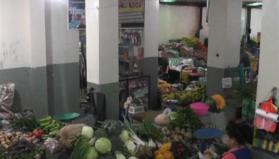 (Video) Comerciante se encuentra preocupado por la falta de seguridad en mercado central.