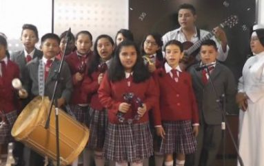 (Video) Estudiantes de Unidad educativa Julio María Matovelle demostraron su talento en la música