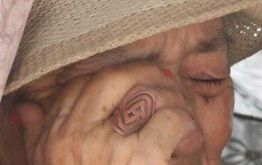 (Video) Adulta mayor dice no soportar más, vivir en condiciones precarias