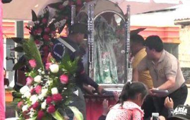 (Video) Con cánticos y aplausos fieles devotos recibieron a la virgen de El Cisne en Catamayo