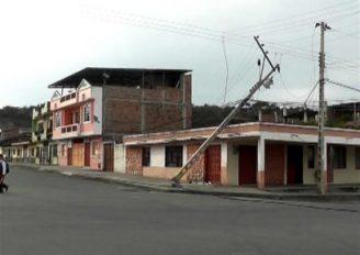 (Video) Gran parte del centro de la ciudad se quedó sin luz por impacto de camión en lineas de alta tensión