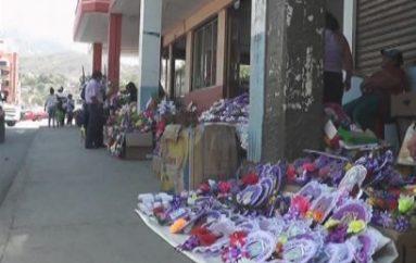 (Video) Comercio se intensificó por el día de los difuntos
