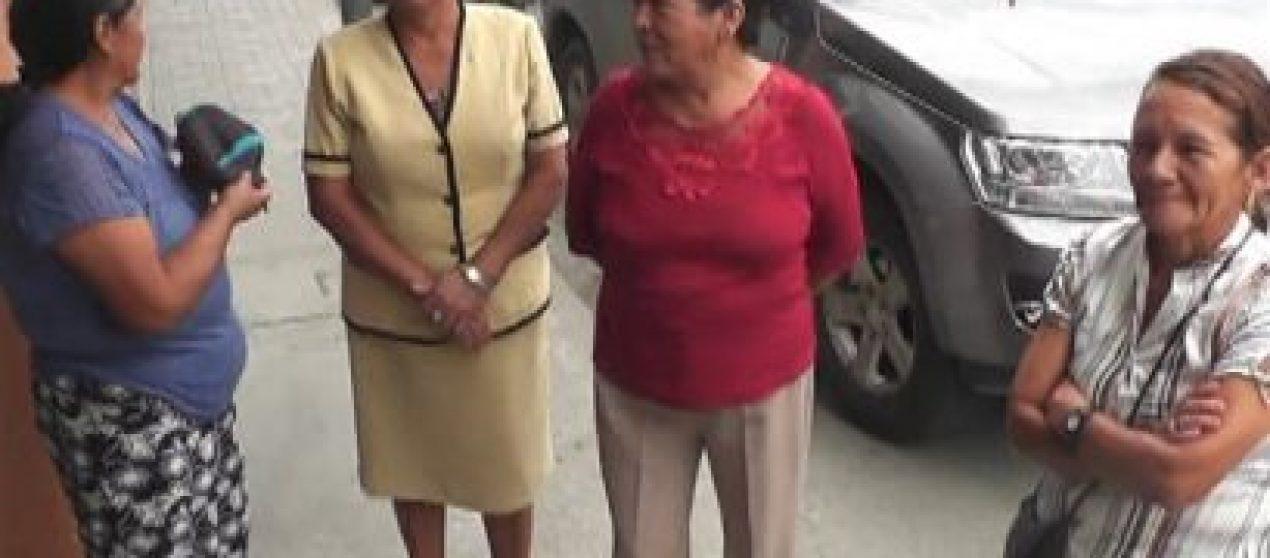 (Video) Moradores del barrio Divino Niño se oponen a reubicación de familia en su sector