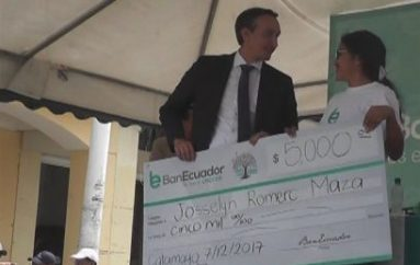 (Video) BanEcuador inauguró nuevas oficinas de la agencia Catamayo