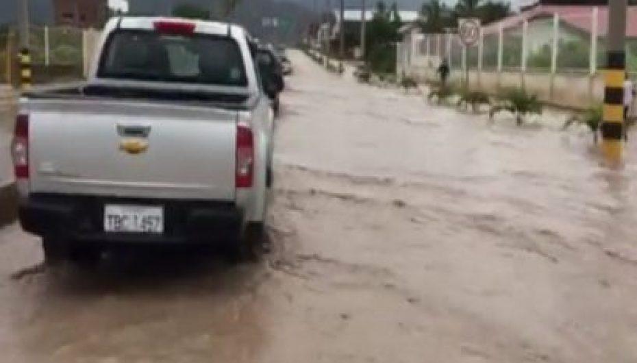 (Video) Cuerpo de bomberos de Catamayo da recomendaciones ante presencia de lluvias