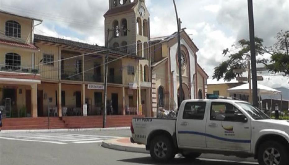 (Video) Tenencia Política de San Pedro de la Bendita trabaja en varias actividades.