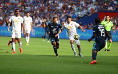 Liga de Quito derrotó 1-0 a Emelec en el Capwell con gol de Hernán Barcos; Adrián Gabbarini atajó un penal