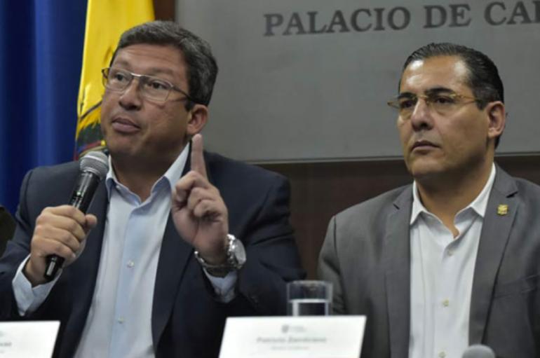 Ecuador, sin ministros del interior y defensa