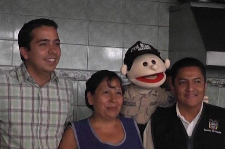 (Video) Paquito el niño Policía hace la invitación al ciclo paseo que se realizará en Catamayo.