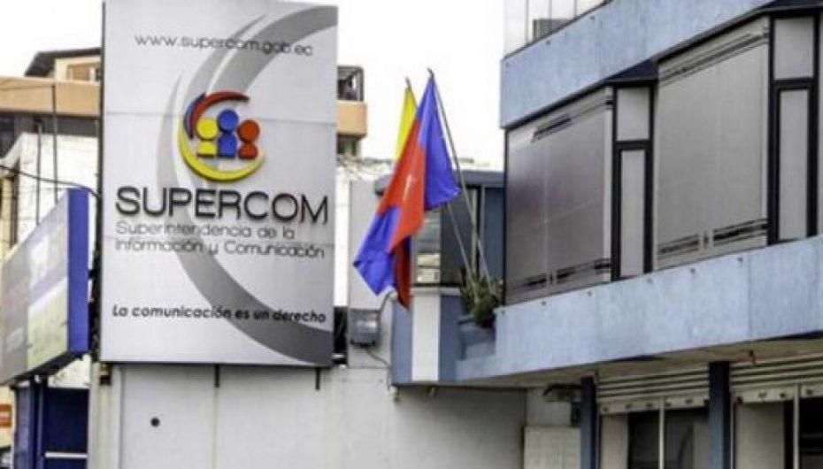 (Video) Periodistas y representante de medio opina sobre desaparición de la Supercom