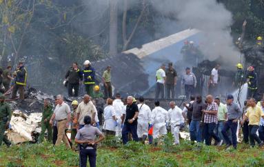 Encuentran caja negra de avión que se estrelló en La Habana