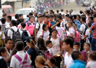 Ley no logra frenar la violencia en las escuelas de Ecuador