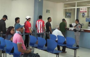 """Cosme Mendoza: """"Proyectos de la EERSSA llega a sectores más apartados"""""""