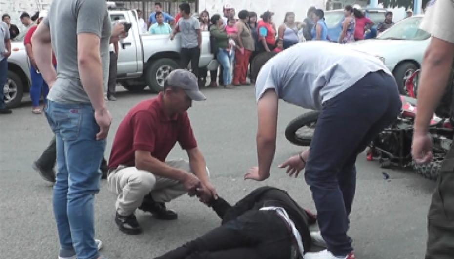 Dos heridos por accidente de tránsito en la avenida Isidro Ayora