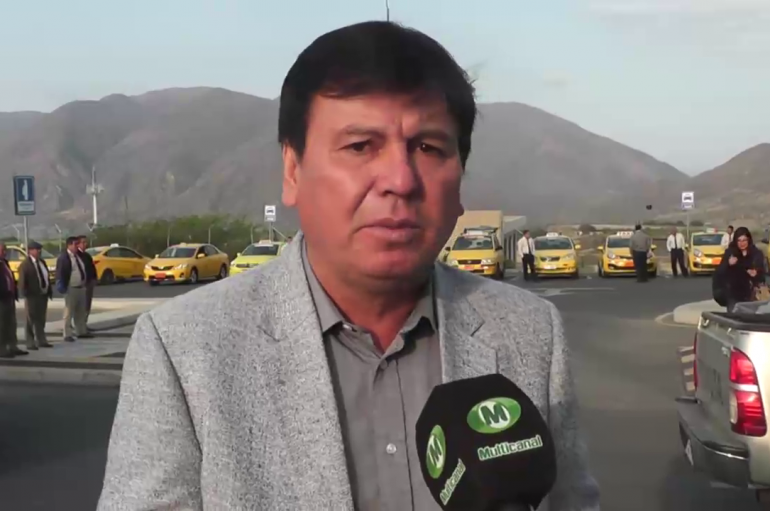 (Video) Asamblea Nacional retiró condecoraciones a Luis Chiriboga, Carlos Pólit y Cristina Fernández