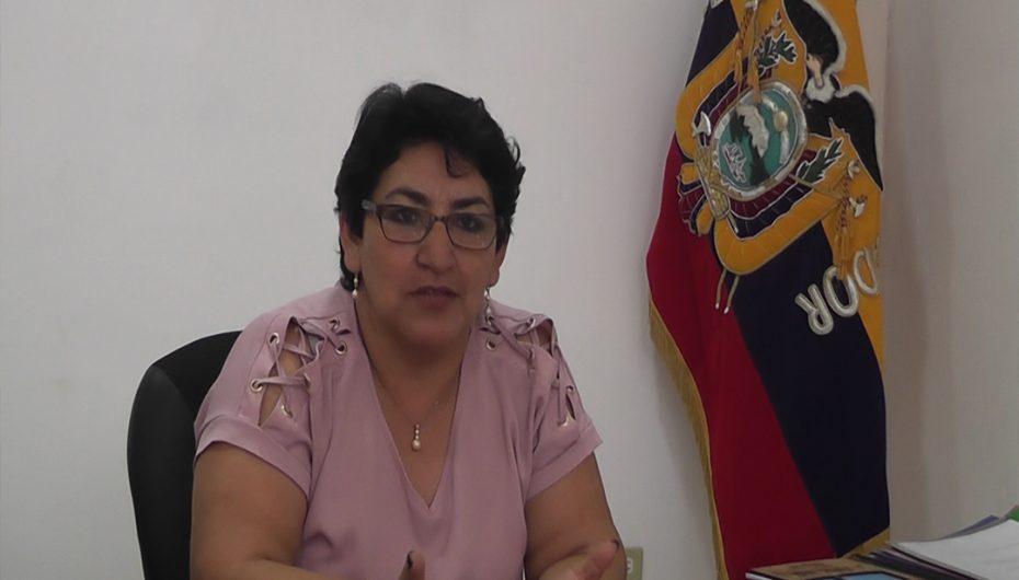 """Susana Elizalde: """"Garantizamos que escuela Coronel Augusto Witt no se cerrará"""""""