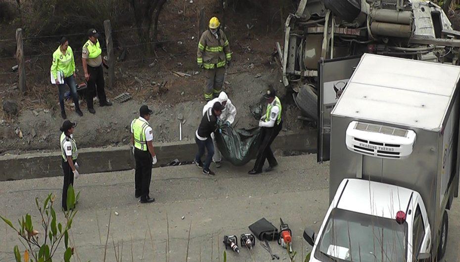 (Video) Esposa de ciudadano fallecido en accidente vive drama por precaria condición económica.