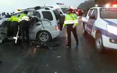 Un fallecido y dos heridos en accidente de tránsito en la vía Loja – Catamayo