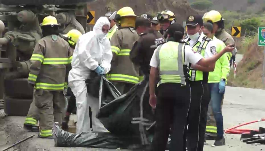 (Video) Cuatro de cinco personas fallecidas en accidente de tránsito son de Catamayo.