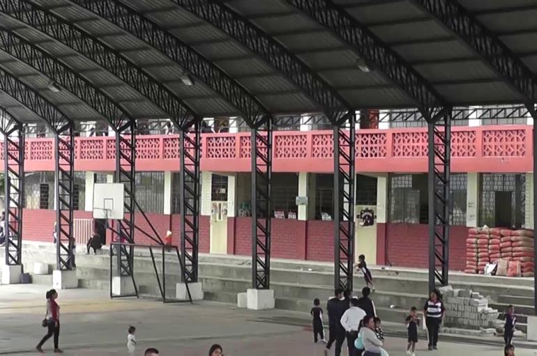 (Video) Continúan los trabajos de infraestructura en Unidad Educativa San Juan Bautista.