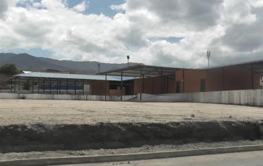 (Video) Centro de acopio en San José a punto de ser utilizado por comerciantes mayoristas