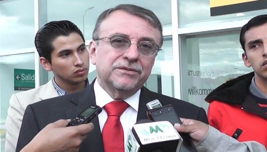 (Video) Enrique Ayala Mora cuestiona la política económica del régimen