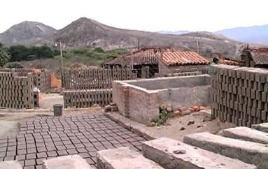 (Video) Carlos Ruíz: Los productores de teja y ladrillo no hemos recibido ningún apoyo del Prefecto.