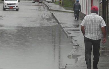 (Video) Moradores de San José piden al Municipio revisar acumulación contínua de aguas en zona
