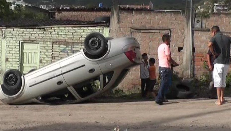 (Video) Un accidente se presentó el pasado fin de semana donde solo se registró daños materiales.