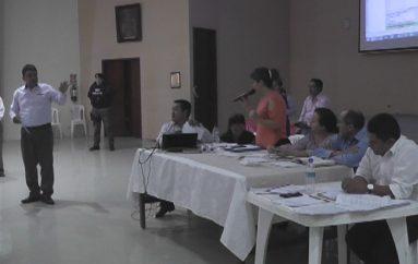 """(Video) Ciudadanos en desacuerdo por costo de agua, en sesión de consejo hubo un """"ambiente acalorado"""""""