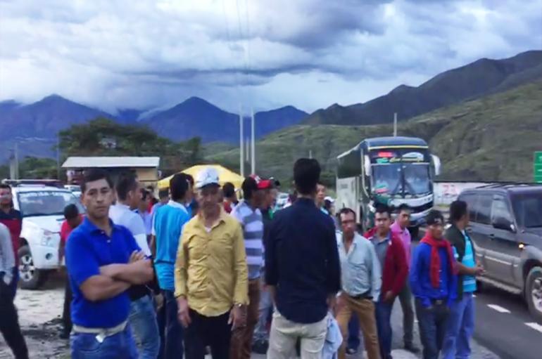 Trabajadores de Catamayo que pretendían asistir a marcha en Loja fueron impedidos de viajar