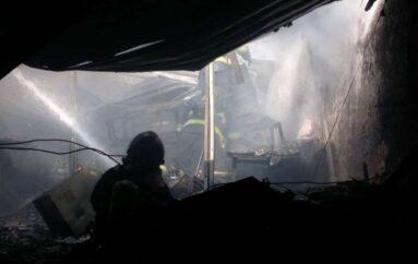 Bar restaurante en Quito fue consumido por un incendio