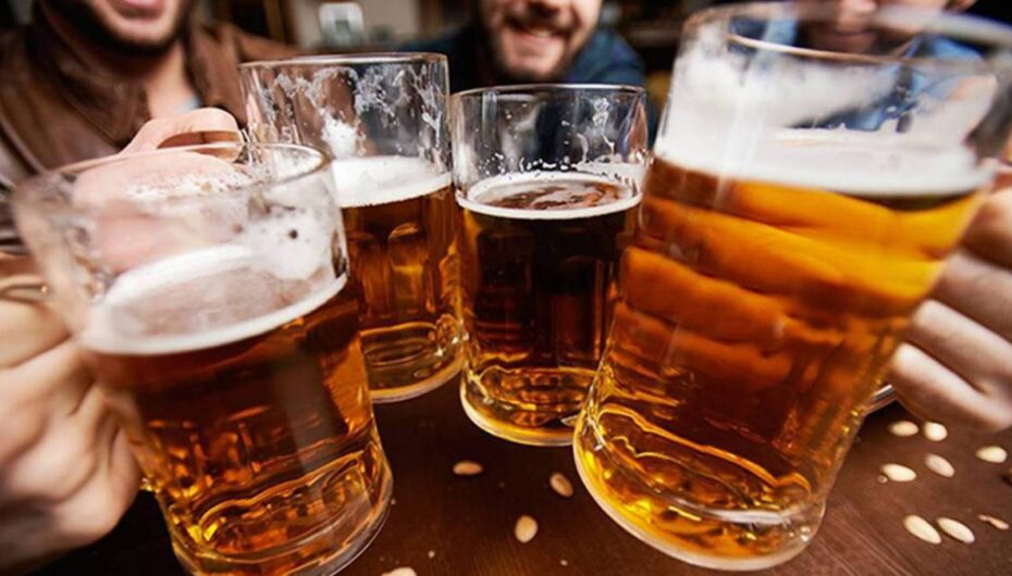 En Guayaquil esta prohibida la venta de licor de jueves a domingo por el aumento de casos de covid-19