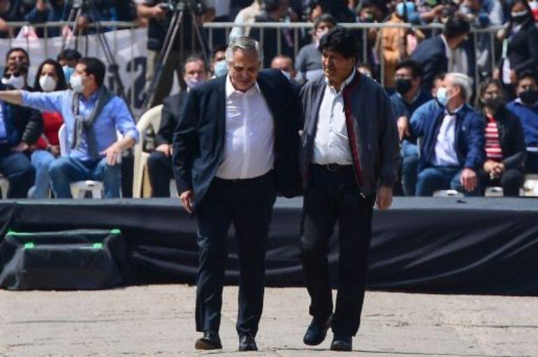 Evo Morales regresa a Bolivia un año después con masivo recibimiento