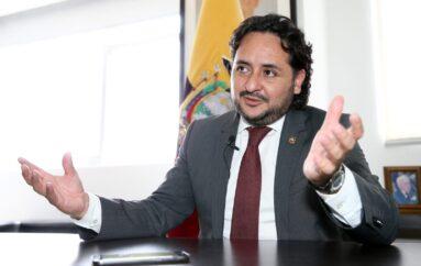 Fiscalía abrió investigación en contra del Ministro Andrés Michelena