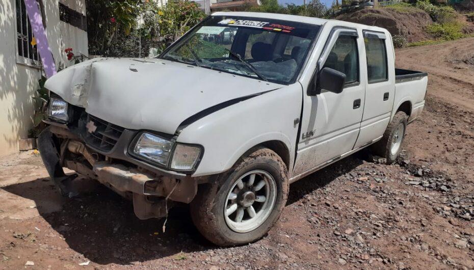 Vehículo se impactó contra una vivienda en Catamayo