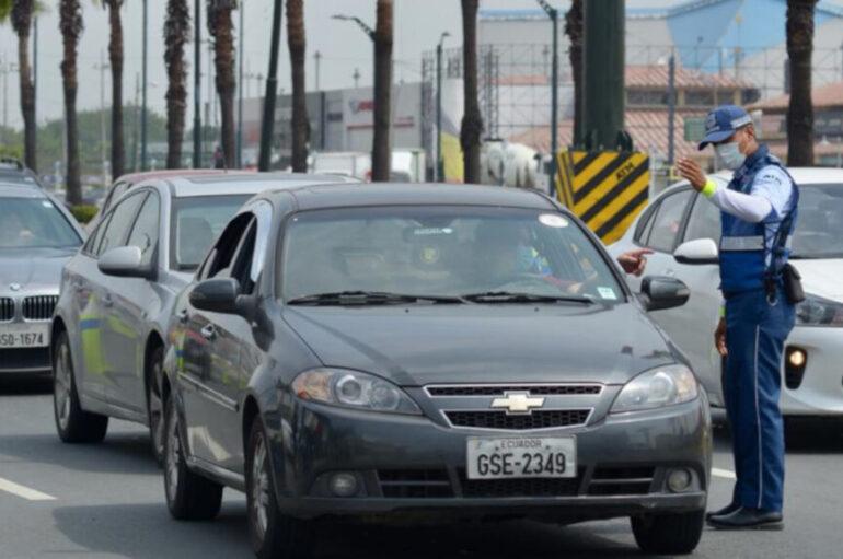 Restricción de movilidad de 19h00 a 05h00 en Guayaquil para frenar aumento de contagios