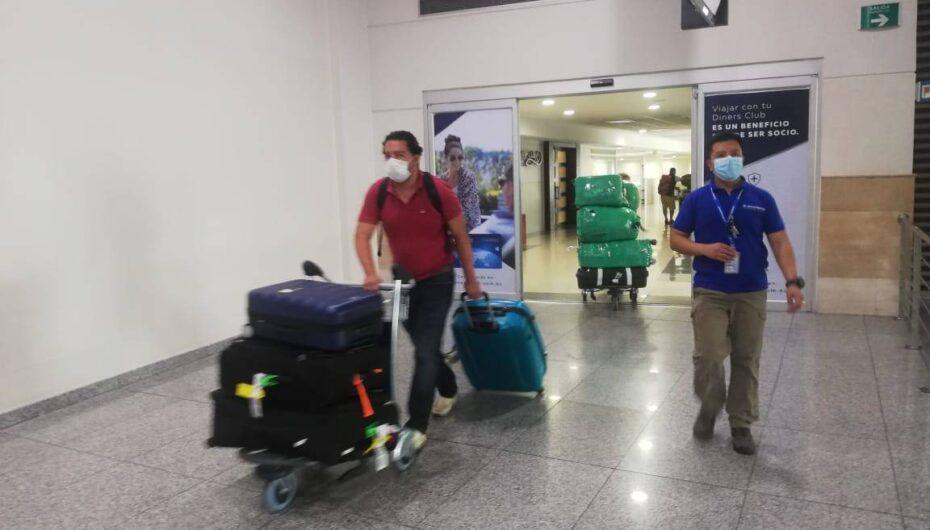 Desde este 9 de abril deberán cumplir aislamiento de 10 días los pasajeros provenientes de Brasil, país que alcanza récord de muertes por COVID-19