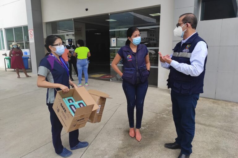 Alcalde dona insumos médicos al Hospital Básico de Yantzaza